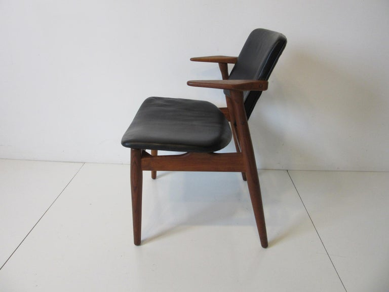 Arne Vodder Danish Chair Teak / Leather for Helge Sibast In Good Condition For Sale In Cincinnati, OH