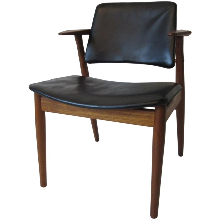 Arne Vodder Danish Chair Teak / Leather for Helge Sibast For Sale