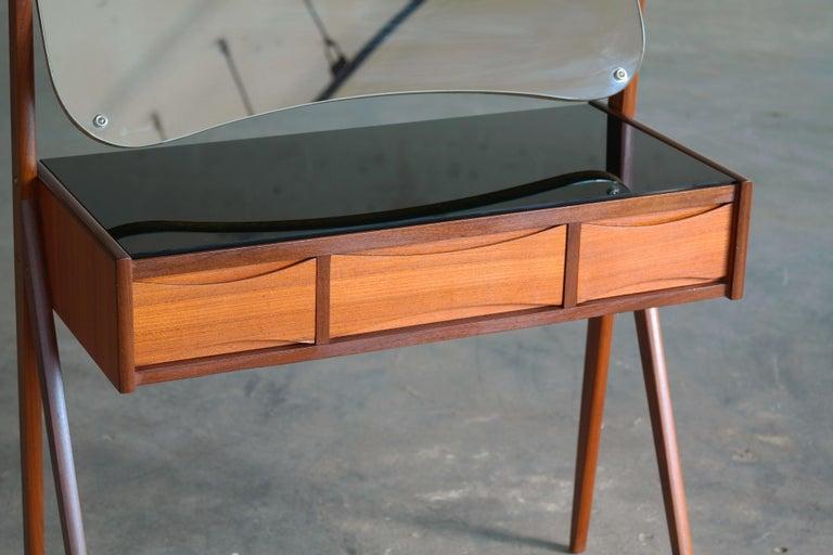 Arne Vodder Danish Midcentury Teak Vanity or Dressing Table with Mirror, 1960s For Sale 1