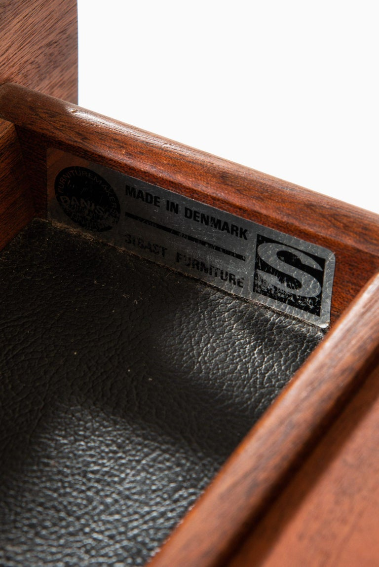 Arne Vodder Desk Produced by Sibast Møbelfabrik in Denmark For Sale 1
