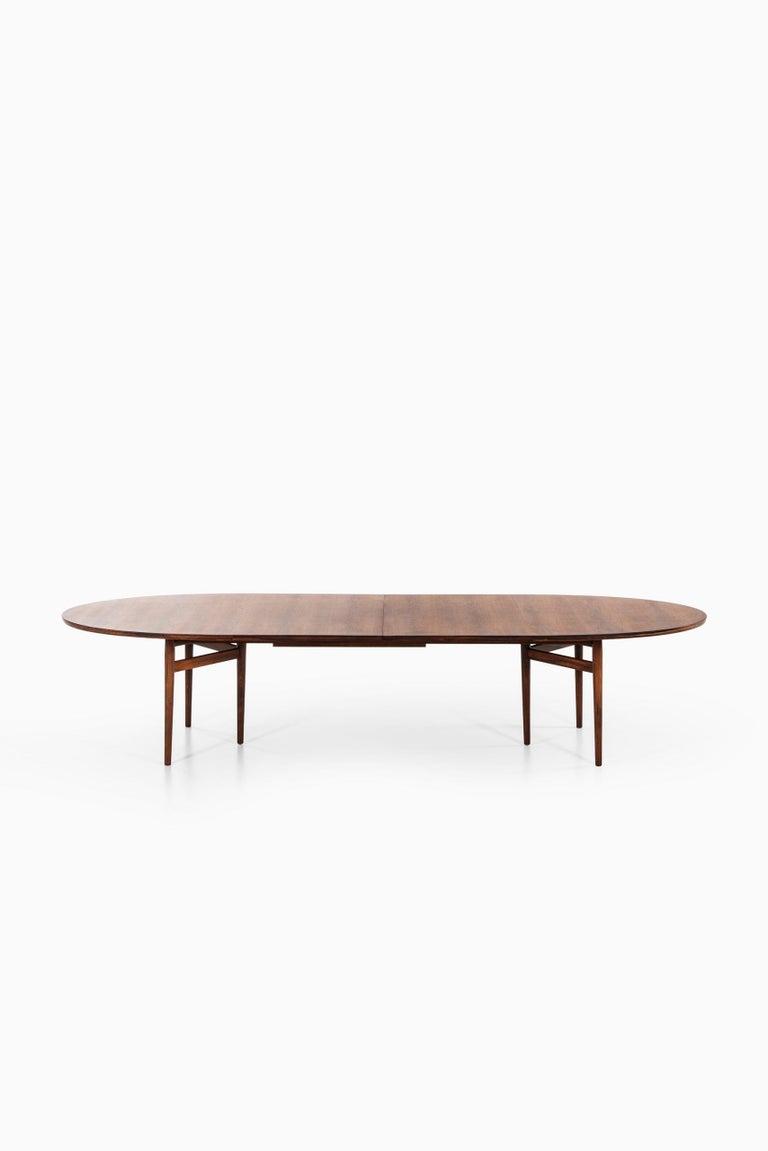 Arne Vodder Dining / Conference Table Produced by Sibast Møbelfabrik in Denmark For Sale 5