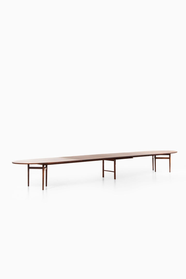 Arne Vodder Dining / Conference Table Produced by Sibast Møbelfabrik in Denmark For Sale 7