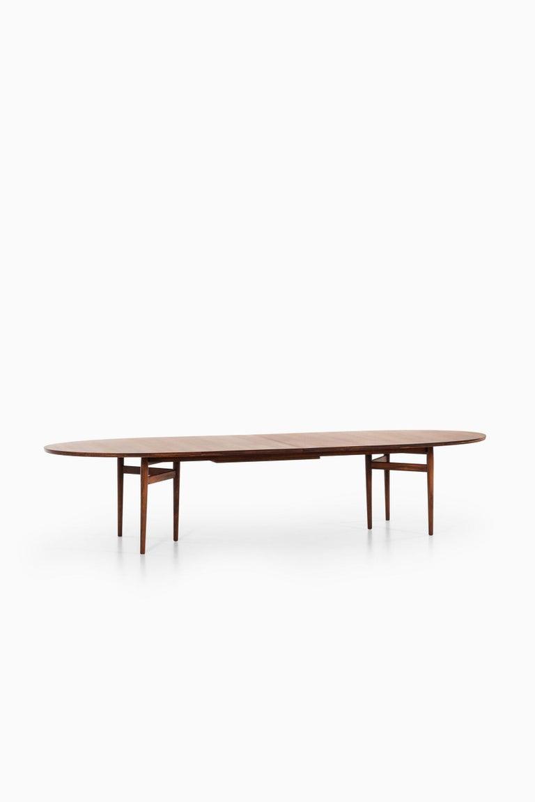 Arne Vodder Dining / Conference Table Produced by Sibast Møbelfabrik in Denmark For Sale 2