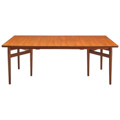Arne Vodder Dining Table Model 201 in Teak