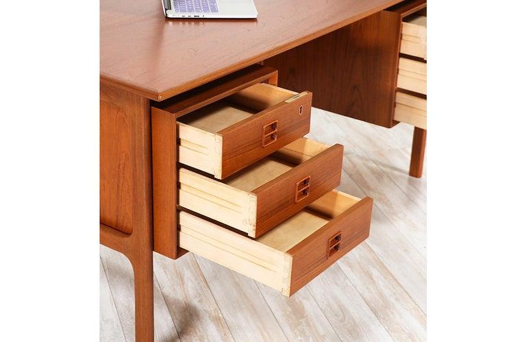 Arne Vodder Executive Teak Desk with Bookshelf for Sibast 3