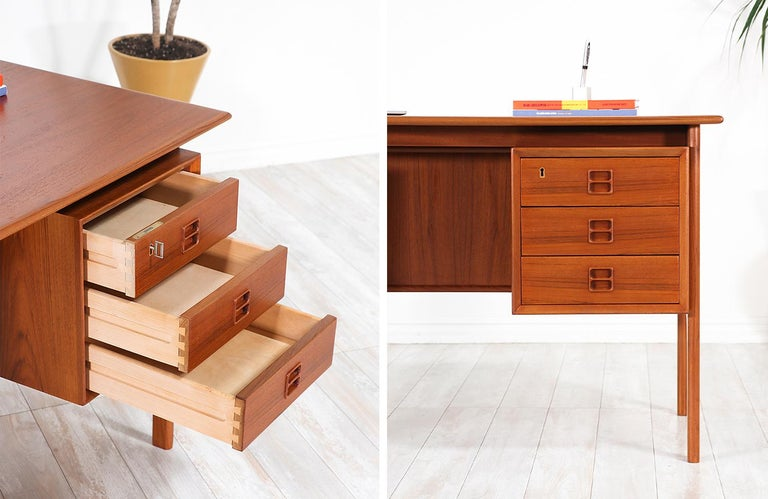 Arne Vodder Executive Teak Desk with Bookshelf for Sibast 4