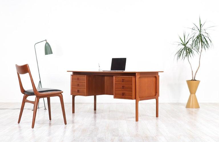 Mid-Century Modern Arne Vodder Executive Teak Desk with Bookshelf for Sibast