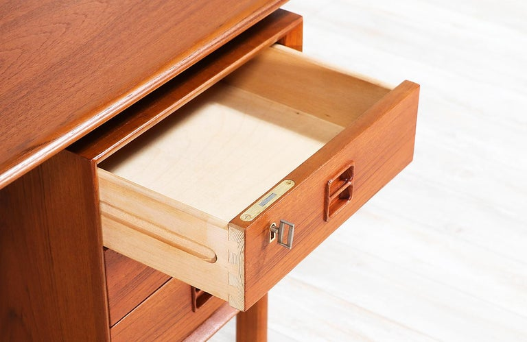 Arne Vodder Executive Teak Desk with Bookshelf for Sibast 1