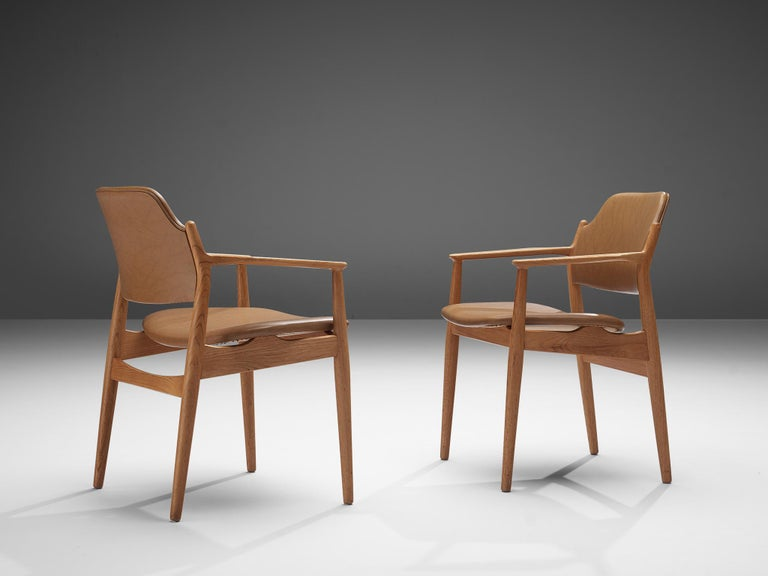 Arne Vodder for Sibast Armchairs in Oak and Leatherette For Sale 3