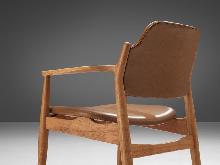 Scandinavian Modern Arne Vodder for Sibast Armchairs in Oak and Leatherette For Sale