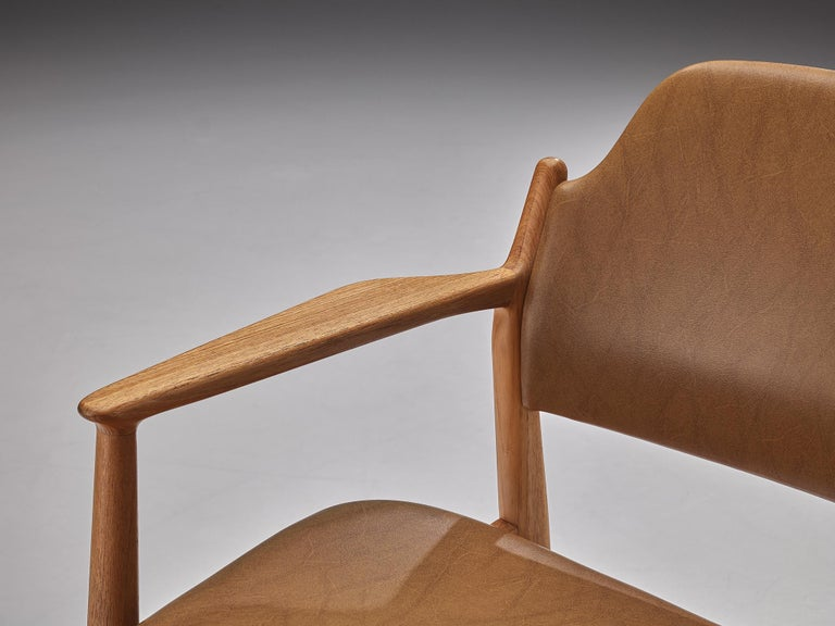 Arne Vodder for Sibast Armchairs in Oak and Leatherette For Sale 2