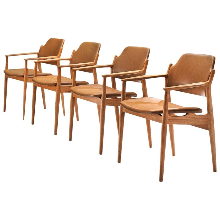 Arne Vodder for Sibast Armchairs in Oak and Leatherette For Sale