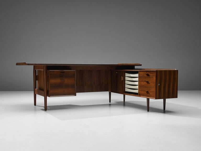 Scandinavian Modern Arne Vodder for Sibast Corner Desk in Rosewood For Sale