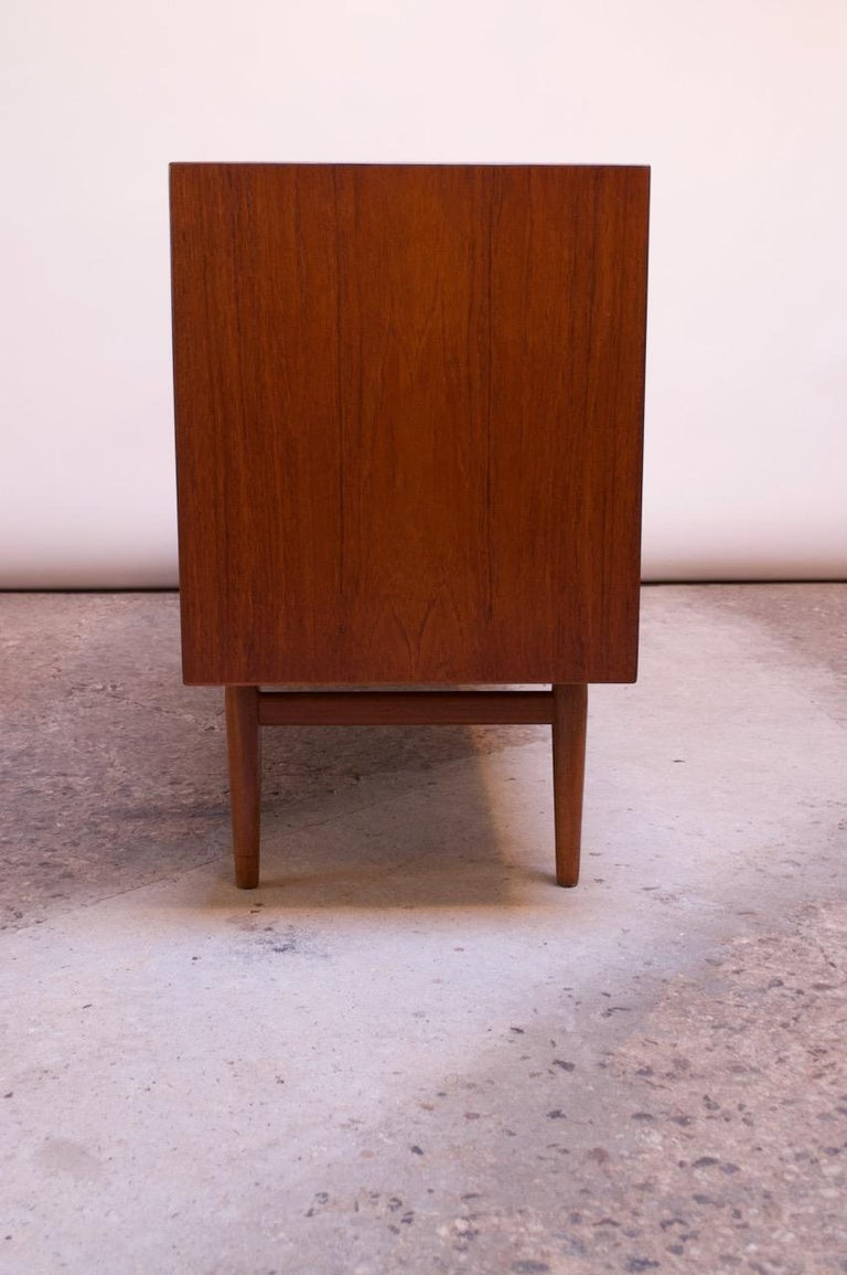 Arne Vodder for Sibast Tambour-Door Teak Credenza Model 37 In Good Condition For Sale In Brooklyn, NY