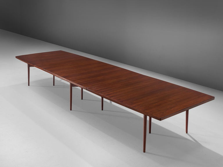 Arne Vodder for Sibast Furniture, rosewood, dining table, Denmark, 1960s.
