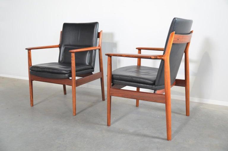 Mid-Century Modern Arne Vodder Rosewood Armchairs Model 431 For Sale