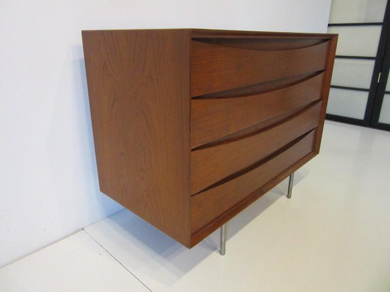 Mid-Century Modern Arne Vodder Small Dresser for Sibast, Denmark For Sale