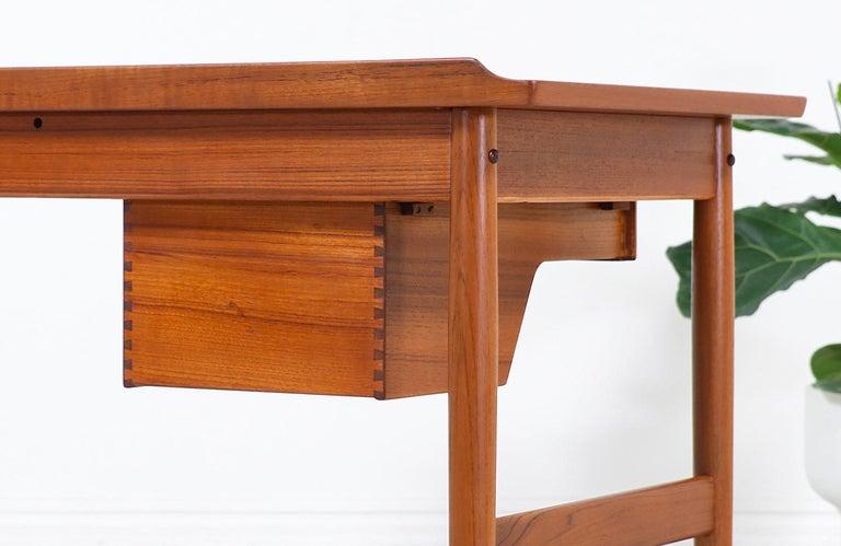 Arne Vodder Teak Wood Vanity / Writing Desk for Sibast Møbler 3