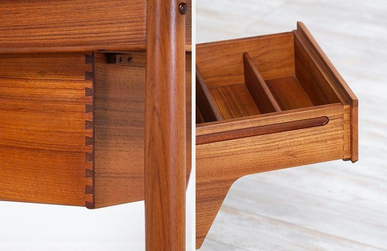 Arne Vodder Teak Wood Vanity / Writing Desk for Sibast Møbler 4
