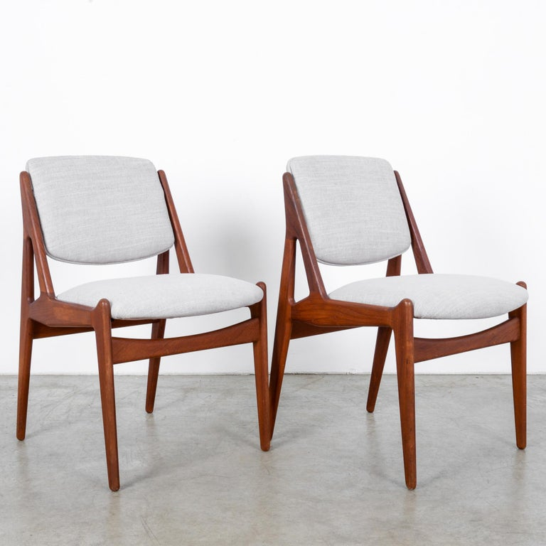 Scandinavian Modern Arne Vodder Upholstered Teak Side Chairs, a Pair For Sale