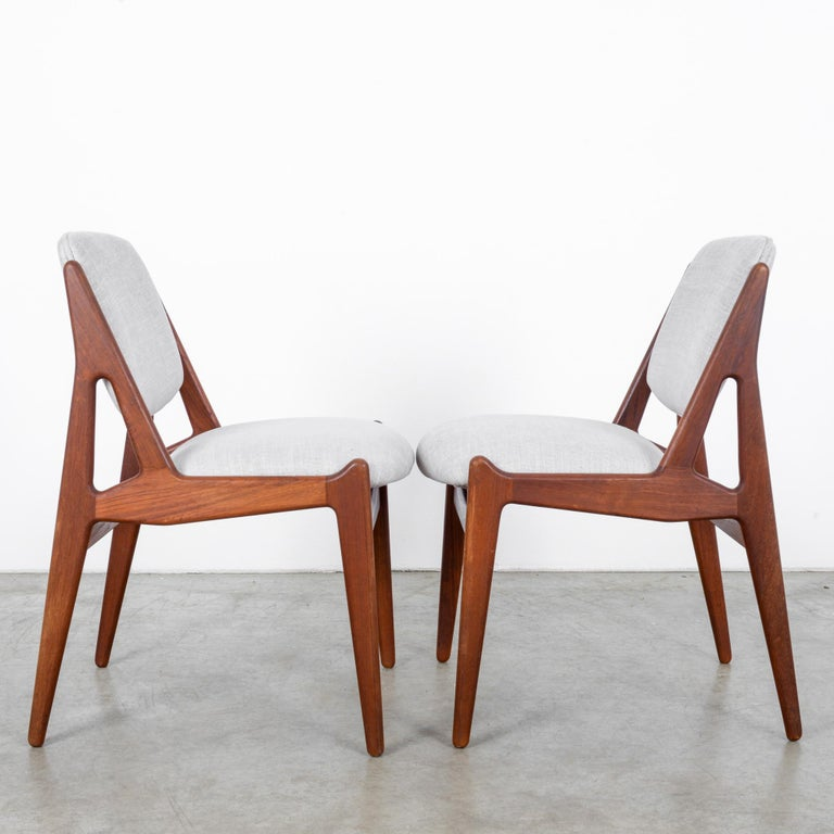 Arne Vodder Upholstered Teak Side Chairs, a Pair In Good Condition For Sale In High Point, NC