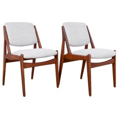 Arne Vodder Upholstered Teak Side Chairs, a Pair
