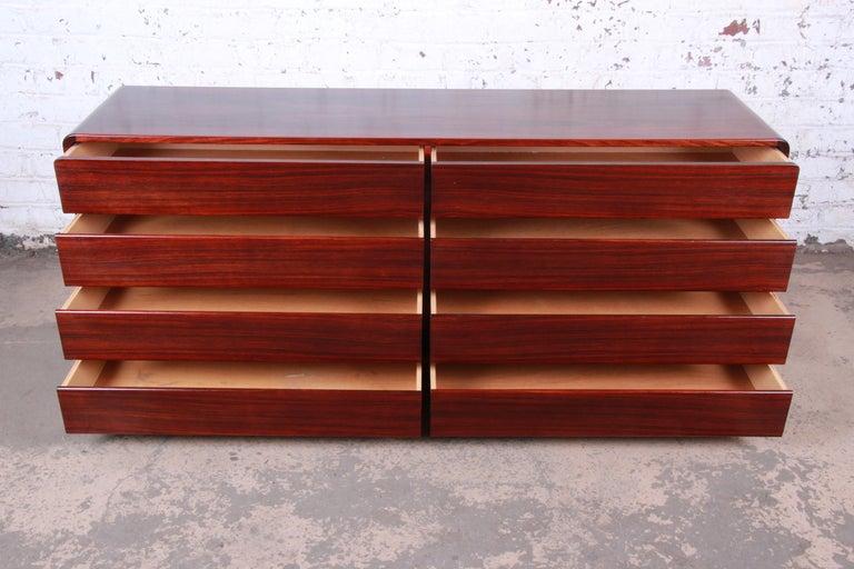 Arne Wahl Iversen for Vinde Møbelfabrik Danish Modern Rosewood Dresser Credenza For Sale 1