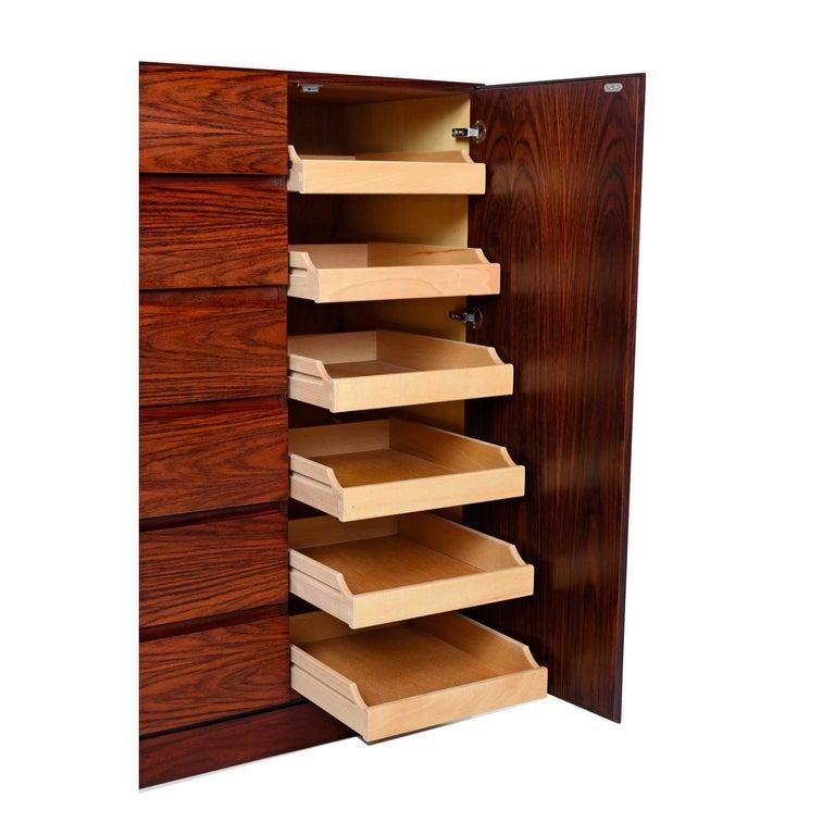 Mid-Century Modern Danish Rosewood Gentleman's Dresser, Arne Wahl Iversen for Vinde Møbelfabrik For Sale