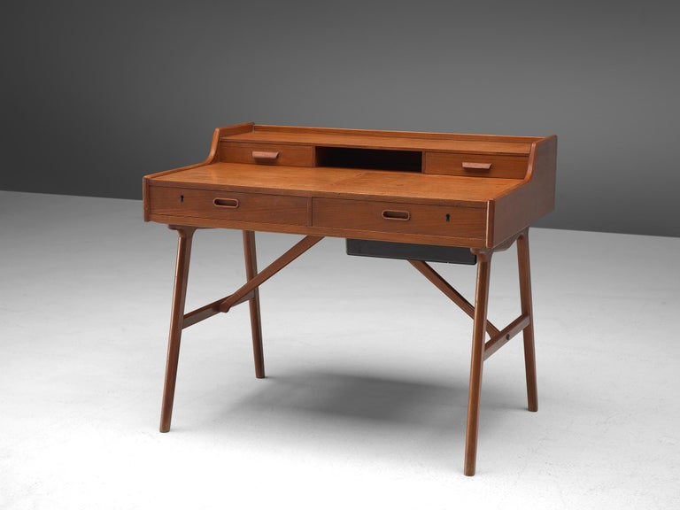 Arne Wahl Iversen for Vinde Møbelfabrik, desk model 65, teak, Denmark, circa 1961.