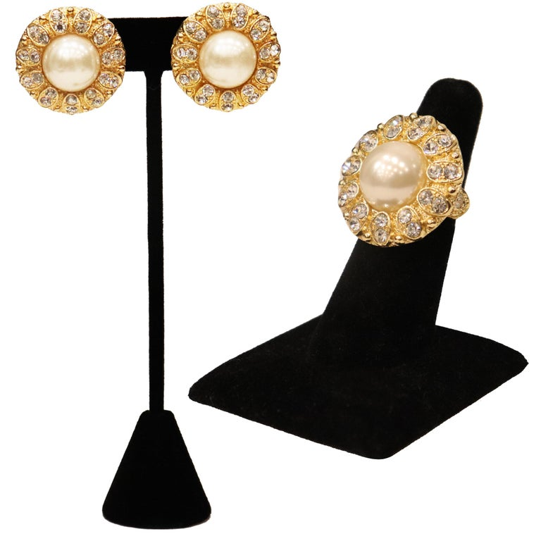 Arnold Scassi Faux Gold-tone Pearl & Rhinestone Earrings/Ring 1980s. In excellent condition