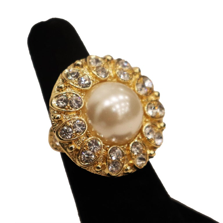 Arnold Scassi Faux Gold-tone Pearl & Rhinestone Earrings/Ring 1980s For Sale 3