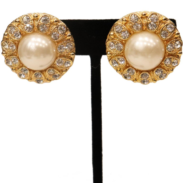 Arnold Scassi Faux Gold-tone Pearl & Rhinestone Earrings/Ring 1980s For Sale 5