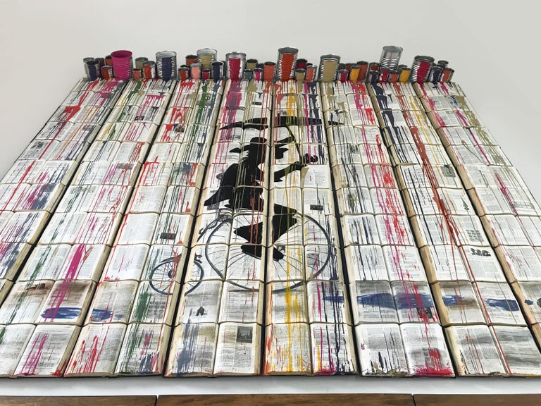 One of Arozarena I De La Fuente´s Favorites, this art work is brand new, with a hand made book canvass. The two artists give new life to these abandoned books. The perfect mix of colors bring extra life to modern spaces. A 3d contemporary art work