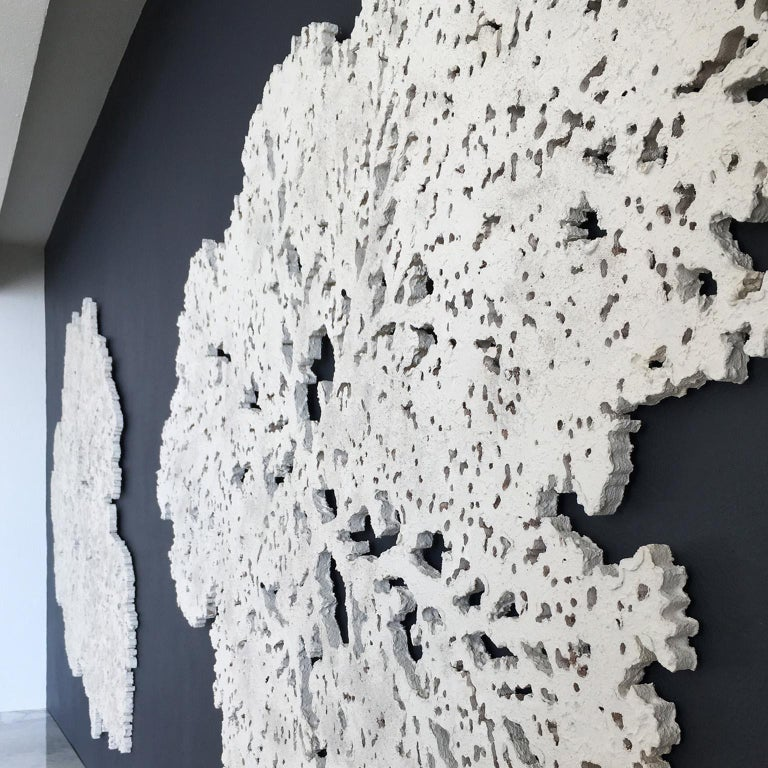 Coral Ocean   Elegant wall sculpture  - Gray Abstract Sculpture by Arozarena De La Fuente