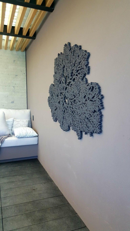 Coral Ocean in Grey  - Sculpture by Arozarena De La Fuente