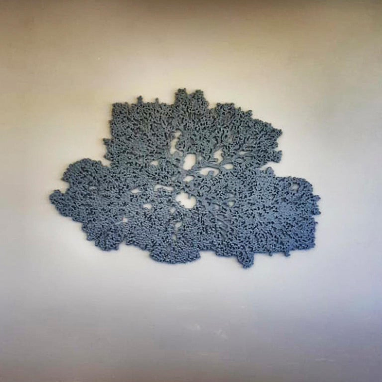 Coral Ocean in Grey  - Contemporary Sculpture by Arozarena De La Fuente