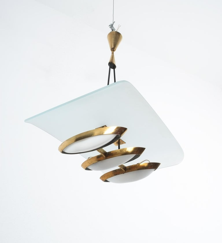 Chandelier from Frosted Glass and Brass Attributed to Stilnovo Italy, circa 1954 For Sale 3