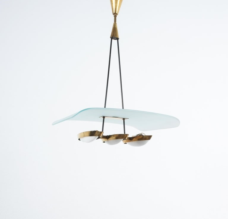 Mid-Century Modern Chandelier from Frosted Glass and Brass Attributed to Stilnovo Italy, circa 1954 For Sale
