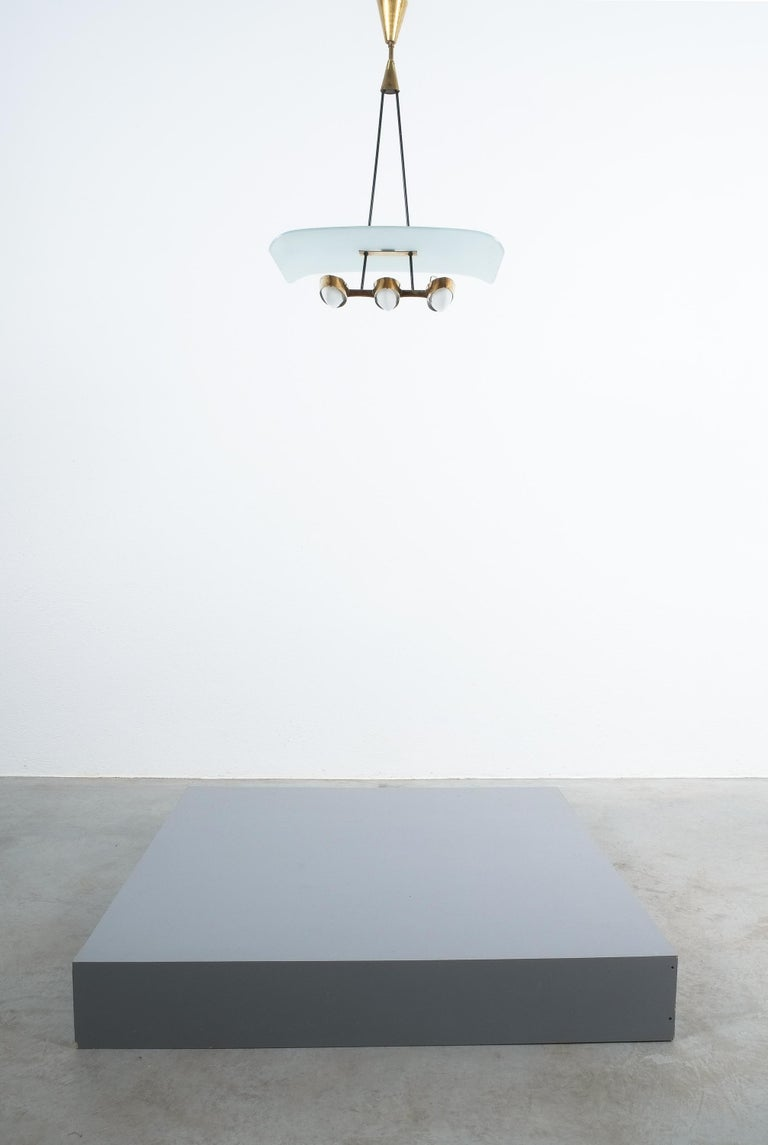 Chandelier from Frosted Glass and Brass Attributed to Stilnovo Italy, circa 1954 For Sale 1
