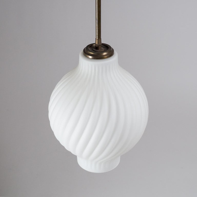 Italian Satin Glass Pendant, 1950s For Sale 7