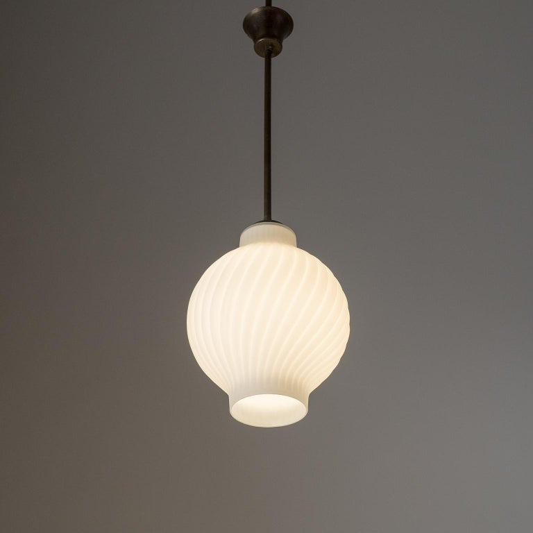 Italian Satin Glass Pendant, 1950s In Good Condition For Sale In Vienna, AT