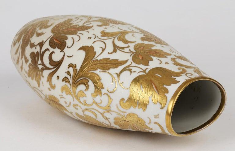 Arrigo Finzi Italian Mid Century Oro Zecchino Leaf Design Porcelain Vase For Sale 7