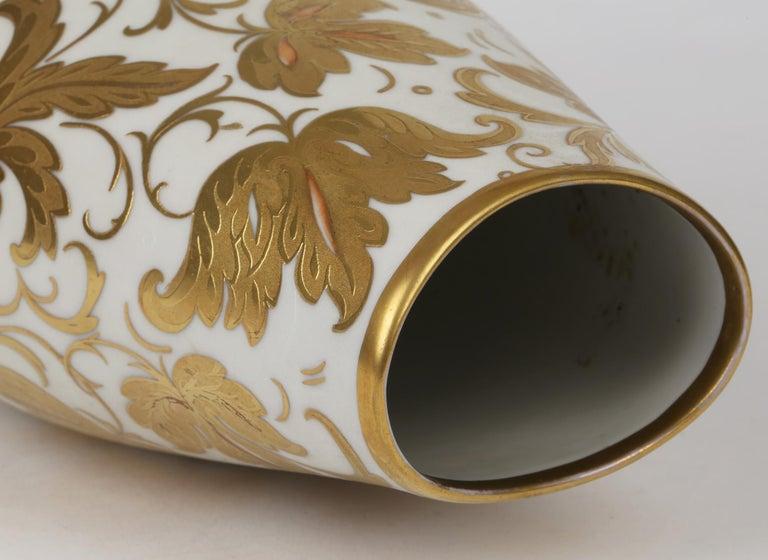Mid-Century Modern Arrigo Finzi Italian Mid Century Oro Zecchino Leaf Design Porcelain Vase For Sale