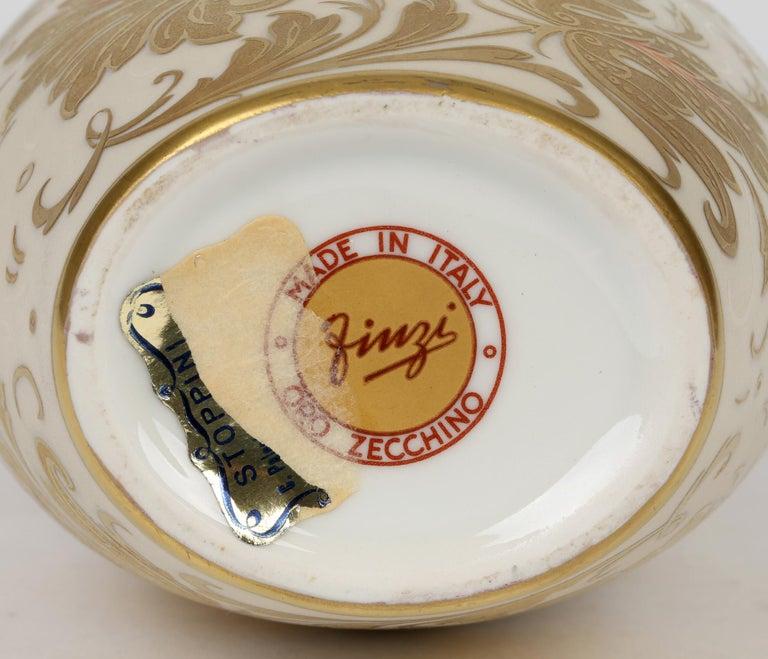 Arrigo Finzi Italian Mid Century Oro Zecchino Leaf Design Porcelain Vase For Sale 2