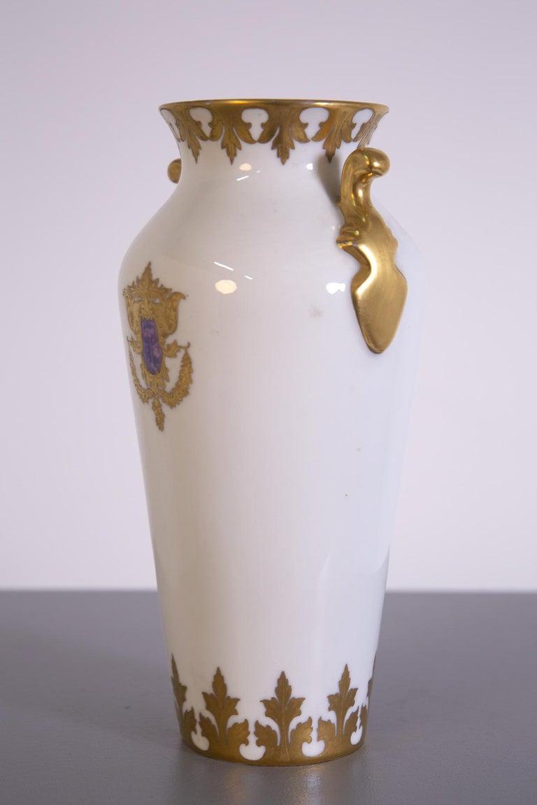 Arrigo Finzi Vase in Porcelain, Gold Painted, Original Label, 1950s In Good Condition For Sale In Milano, IT