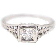 Art Deco 0.15 Carat Diamond and Platinum Filigree Engagement Ring