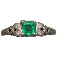 Art Deco Style 0.43 Carat Square Colombian Emerald 18 Karat Ring