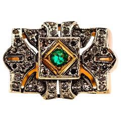 Art Deco 0.65 Carat White Diamond 0.10 Carat Emerald Yellow Gold Band Ring