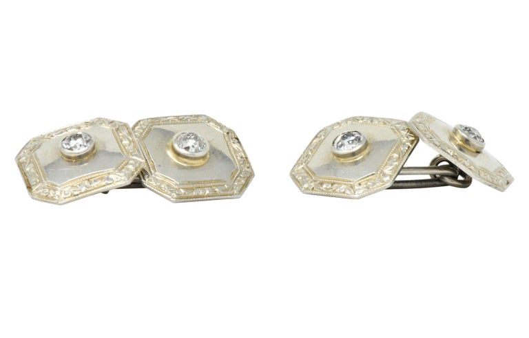 Women's or Men's Art Deco 0.72 Carat Diamond 18 Karat White Gold Cufflinks For Sale
