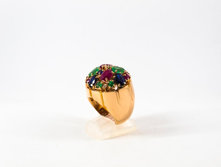Art Deco Style 10.15 Carat Diamond Ruby Emerald Sapphire Yellow Gold Ring In New Condition For Sale In Naples, IT